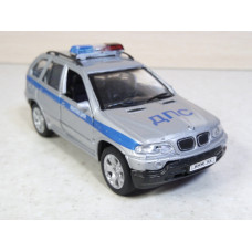 Модель автомобиля BMW X5 (1/40)