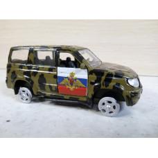Модель автомобиля УАЗ Патриот камуф. (1/43)