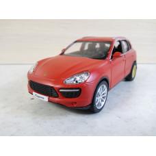 Модель автомобиля Porsche Cayenne (1/39)