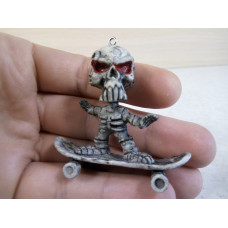 Скелет на скейте (4,6см)