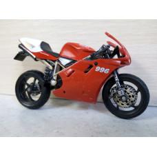Модель мотоцикла Ducati 1/18 (100 баллов)
