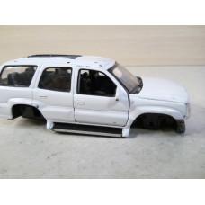 Модель автомобиля Cadillac Escalade (1/36)