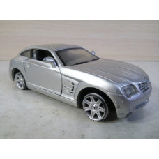 Модель автомобиля Chrysler Crossfire серый (1/32)