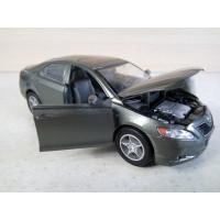 Модель автомобиля Toyota Camry 1/32 (250 баллов)