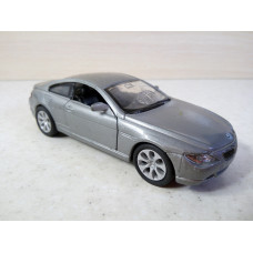 Модель автомобиля BMW 645 Ci (1/40)