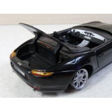 Модель автомобиля BMW Z8 (1/24)