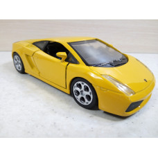 Модель автомобиля Lamborghini Gallardo (1/32)