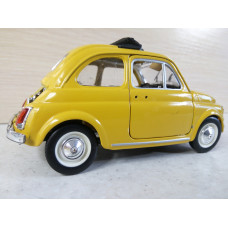 Модель автомобиля Fiat 500 (1/22)