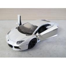 Модель автомобиля Lamborghini Aventador (1/38)