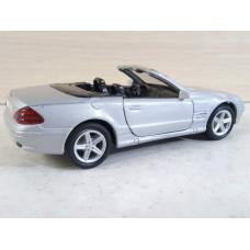 Модель автомобиля Mercedes-Benz SL500 (1/38)