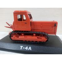 Модель трактора Т-4А (1/43)