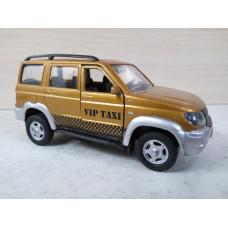 Модель автомобиля УАЗ такси (1/43)