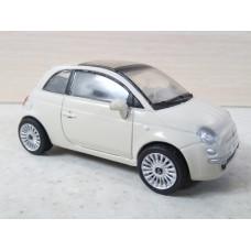 Модель автомобиля Fiat 500 (1/43)