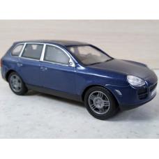 Модель автомобиля Porsche Cayenne (1/43)