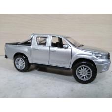 Пикап Toyota Hilux (1/40)