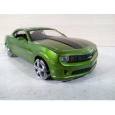 Модель автомобиля Chevrolet Camaro SS (1/32)