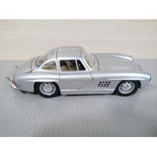 Модель автомобиля Mercedes-Benz 300SL сер. №2 (1/24)