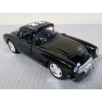 Модель автомобиля Chevrolet Corvette (1/32)