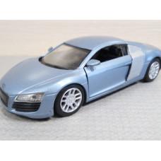 Модель автомобиля Audi R8 (1/32)