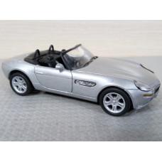 Модель автомобиля BMW Z8 (1/36)