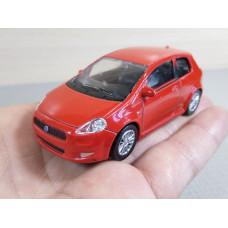 Модель автомобиля Fiat Grande Punto №1 (1/43)