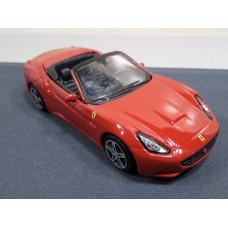 Модель автомобиля Ferrari California (1/43)
