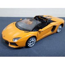 Модель автомобиля Lamborghini Aventador (1/43)