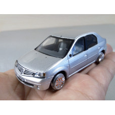 Модель автомобиля Renault Logan (1/43)