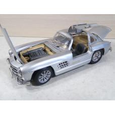 Модель автомобиля Mercedes-Benz 300SL сер. №3 (1/24)