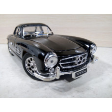 Модель автомобиля Mercedes-Benz 300SL чер. №2 (1/24)