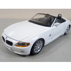 Модель автомобиля BMW Z4 №2 (1/24)