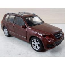 Модель автомобиля Mercedes-Benz GLK (1/38)