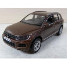 Модель автомобиля Volkswagen Touareg (1/36)