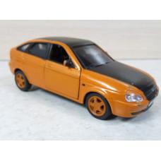 Модель автомобиля Лада Приора оранжевая (1/36)