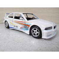 Модель автомобиля BMW M3 (1/24)