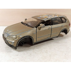 Битый кузов BMW X5 (1/32)