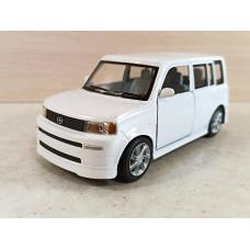 Модель автомобиля Toyota bB (1/32)
