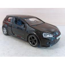 Модель автомобиля VW Golf GTI (1/32)